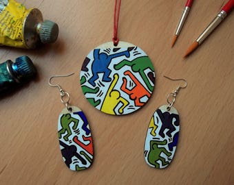 HARING Pendant and earrings. Hand-painted wooden earrings and pendant. Keith Haring.  Street Art. Gift idea. Birthday Gift. Mothers'day gift
