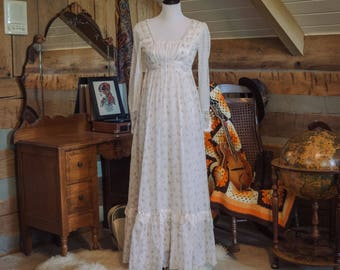 Vintage 1970's Gunne Sax maxi floral prarie dress