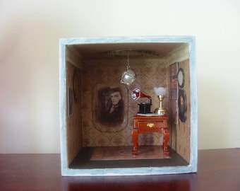 Roombox/Diorama- Quentin Collins from 1897, Dark Shadows.