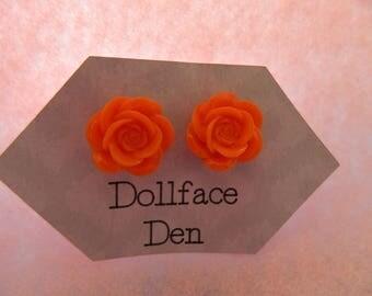 Medium rosette button earrings