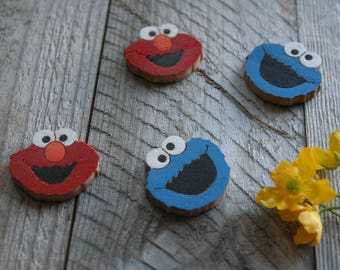 "Set of 2 wood brooches ""Sesame Street"" / Wood brooch / Wooden pin / Wood jewelry / Wood handmade / Wood accessories / Elmo pin / Sesame pin"
