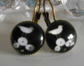 """Cheep cheep"" glass cabochon Stud Earrings"