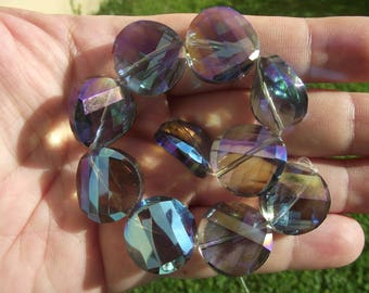 2 CHARMS CRYSTAL TWIST GLASS BEADS HAVE FACETED 18MM.