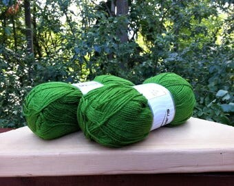Green yarn. Lot of 2 Skeins Ice Yarn. Knitting yarn. Acrylic yarn. Yarn for knitting. Vegan Friendly!