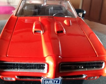 Vintage Ertl 1:18 scale Diecast GTO inside a Acrylic case