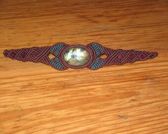 macrame bracelet with a labradorite gemstone