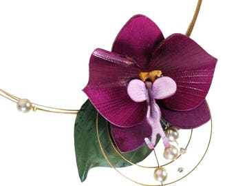 Necklace Purple Orchid and pearl beads