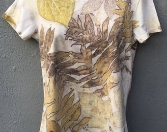 Eco-printed, T-shirt from cotton - natural dyeing