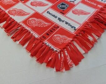 Detroit Red Wings Fleece Tied Blanket
