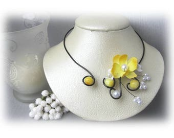 Yellow flower Justine, 'Les Volutes' necklace