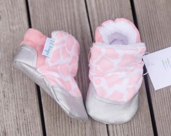 Faux Fur lined Giraffe Print baby shoe, Furlined Bootie, Soft Sole Baby Shoe, faux fur Baby Booties, Non Slip, Handmade,  Baby Moccasins