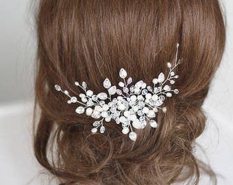 Bridal hair comb Crystal bridal hair comb Wedding hair comb Bridal Headpiece Pearl bridal hair comb Bridal Hair Accessory Pearl and Crystal