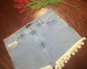 Vintage Jean Shorts with Trim size 18