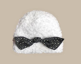 baby hat in white fur and bow costume (0-24 m)