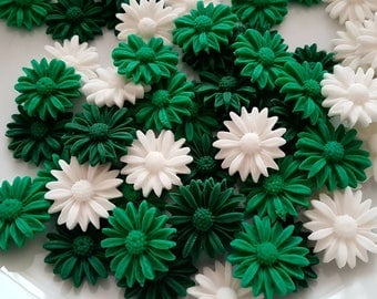 24 Edible Sugar Daisies Green White Macmillan Coffee Morning Party Cake Cupcake Toppers