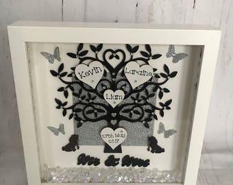 Beautiful Mr & Mrs Wedding 'Tree of Love' Frame