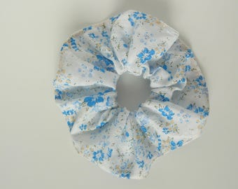 Great pattern fabric white scrunchie with blue floral patterns