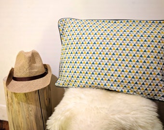 Scandinavian style piped Cushion cover 30 x 50 cm