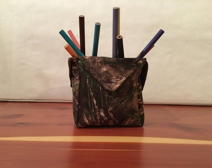 Realtree Camouflage, fabric organizer.