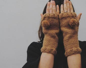 Wool sleeves with pom pom, women's gloves