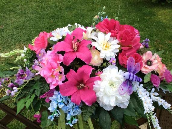 Cimeti re comm moratif fleurs pierre tombale selle jardin for Arrangement floral artificiel