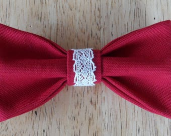 Bow tie in red fabric with lace