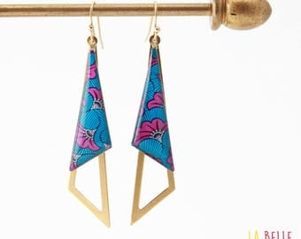 Earrings are made of resinees pattern blue and purple wax