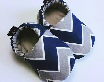 Baby Booties / Baby Shoes / Handmade Booties / Soft Sole Booties / Soft Sole Shoes / Chevron Booties