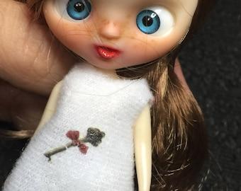 Petite blythe Custom. Luna