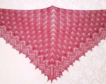 a shawl with knitting needles, hand knit shawl, beautiful shawl, a warm shawl, Russian shawl, openwork shawl, knitted shawl,