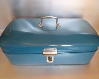 Vintage enamel bread bin * enamel bread box * bread bin * brotkasten * boîte au pain * caisse au pain, 1950s