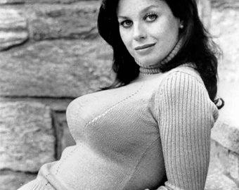Actress Lana Wood - 5X7 or 8X10 Publicity Photo (FB-204)