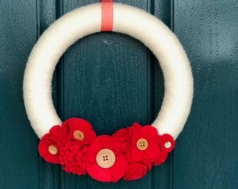 Mini Red and White Flower Wreath
