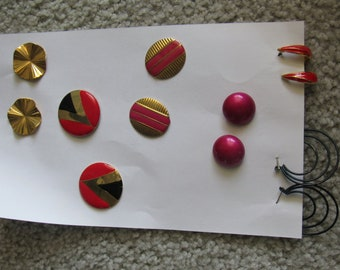 """Group of 6 pairs 1960's 1970's Earrings For Pierced Ears. Round and Oval """"Buttons"""" 2 Pair Hoops, Red,Black,Pink, Gold Tone  2861"""