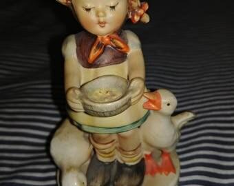 Girl Feeding Ducks Hummel Full Bee #195 2/0 Be Patient TMK2 1950's