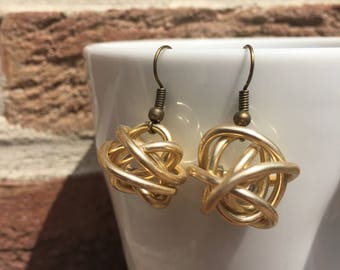 Jewelry/earrings balls aluminum color gold