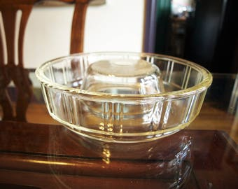 Vintage Queen-Anne Glasbake Jello Mold Bundt Cake Baking Dish