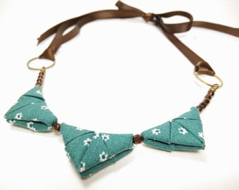 Petite ORIGAMI TRIANGLE NECKLACE - Green with Flower Print Ribbon Tie Necklace
