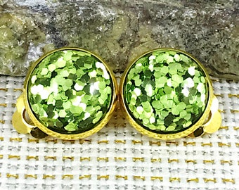 St Patrick's Day Earrings - Green Glitter Clip On Earrings - Clip On Irish Earrings - Earrings - Green Earrings - St Patrick's Day - Jewelry