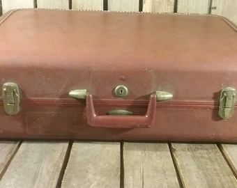 Old Taperlite Suitcase, Vintage Suitcase, Worn Out Luggage
