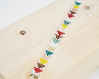 Mini color triangle. Bracelet width of 1 cm