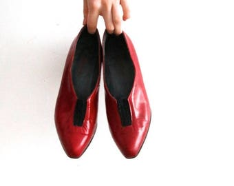 ON SALE Vintage Red Leather Shoes Red Bally Shoes Women's Red Shoes Red Leather Pumps 30s Style Shoes Heeled Shoes Made in France EU 37 Uk 4