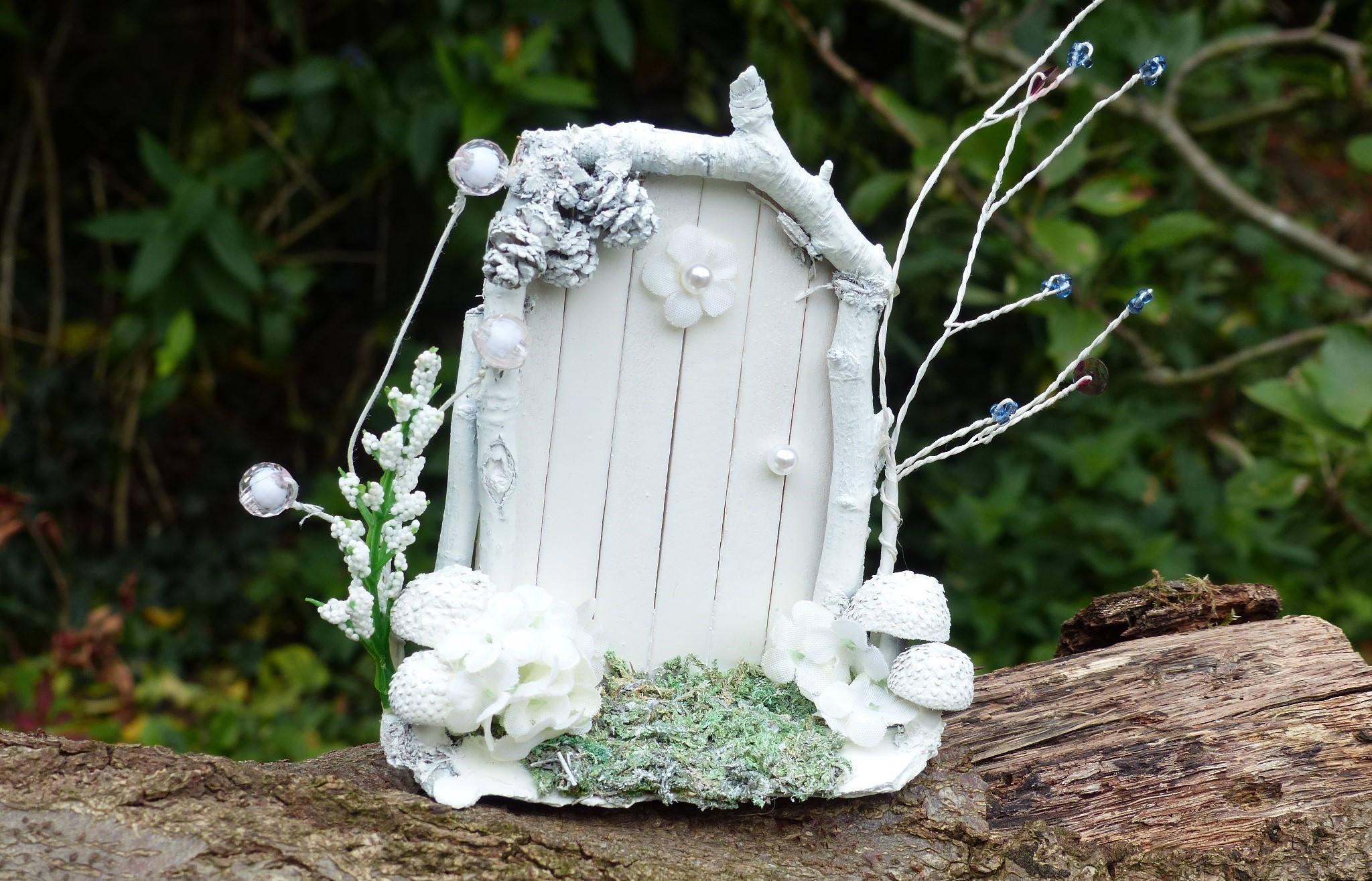 White fairy door christmas fairies fairy garden fairy for White fairy door