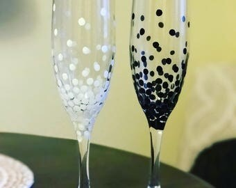 Bride and groom champagne flutes