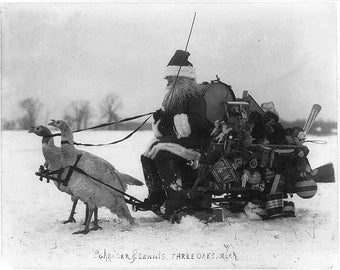 Santa Claus Pulled By Turkeys - 1909