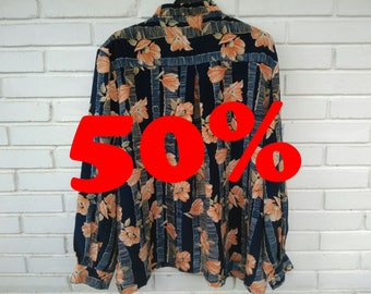 FLORAL PATTERN SHIRT / / unisex / / vintage clothing / / floral pattern / / blue