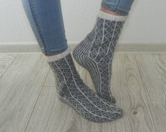 Patterned socks Wool socks Warm socks Gray socks Knitted socks Knit socks Hand knit socks Gift for her Slippers socks