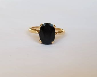 Vintage heavy midnight blue sapphire solitaire in yellow gold