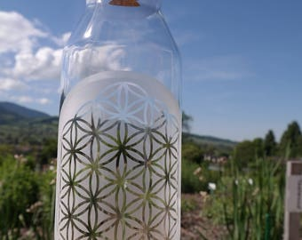 Carafe / jug / jug with the flower of life and cork stopper 1Liter