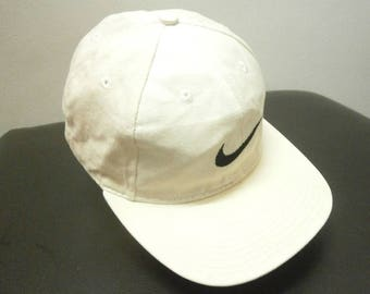 Stunning! Vintage 90s NIKE embroidered Swoosh logo snap button baseball cap hat